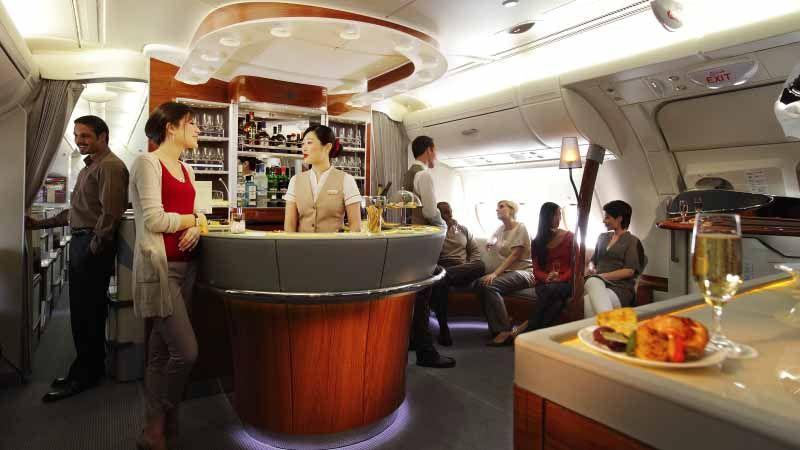 Lounge og bar på Emirates' A380.